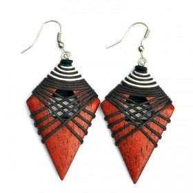 Natural Pointed Earrings