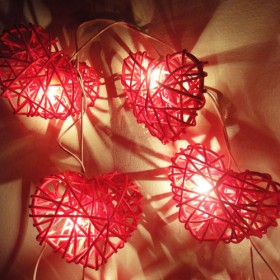 Rattan Heart String Lights - Red